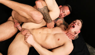 Sean introduces himself to Tommy and notices that that guy is smokin' restless