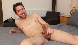 Jason is an American visitor to the UK, straight but open minded and experimental