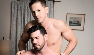 Straight Boy Billy Santoro hires the spectacular Roman Todd for a massage at his house