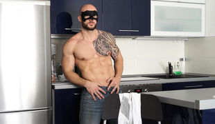 Bodybuilder David moved keen to a new apartment a few days agone