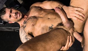 Muscle And Ink, Scene 04